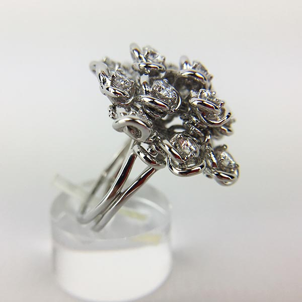 Anello Oro Bianco e Diamanti Unico