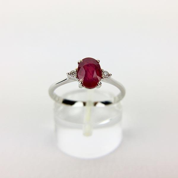 Anello Oro Bianco, Diamanti e Rubino
