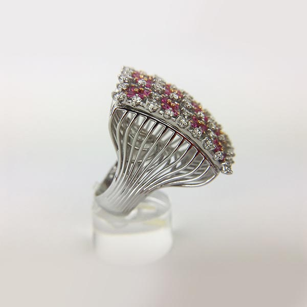 Anello Oro Bianco, Diamanti e Zaffiri Rosa