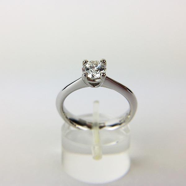 Anello Solitario Oro Bianco e Diamanti