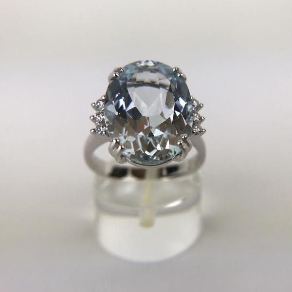Anello Oro Bianco, Diamanti e Acquamarina