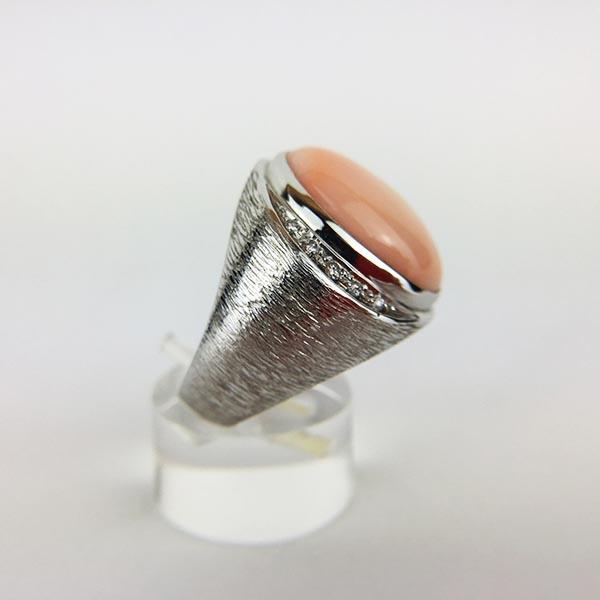 Anello Oro Bianco, Diamanti e Corallo